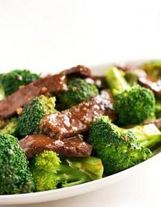 брокколи и мясо