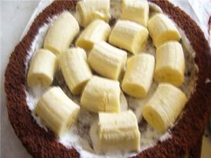 начиняем бананами торт крот