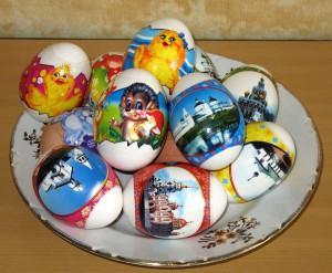 пасхальные яйца с наклейками