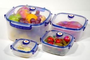 продукты в пищевых контейнерах