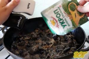 картошка и лесные грибы