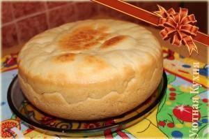 готовый пирог с рисом и рыбой