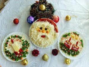 три варианта оформления новогодних салатов