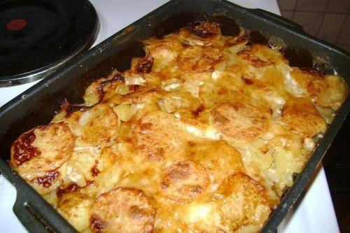 картошка в духовке со сметаной и сыром и грибами