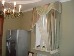 шторы с ламбрекеном для кухни