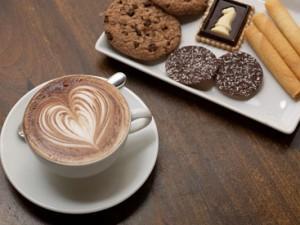 кофе со сладостями