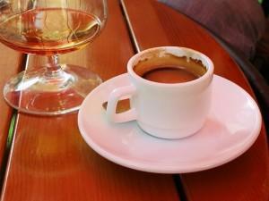 пить кофе с алкоголем