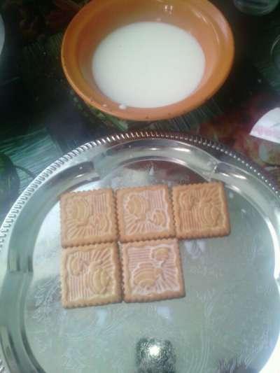 молоко и печенье для творожного торта