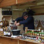 палатка с медовухой и другой продукцией из меда