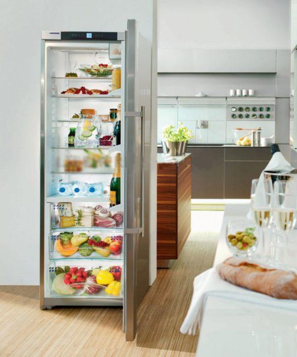 узкий однокамерный холодильник для малогабаритной кухни