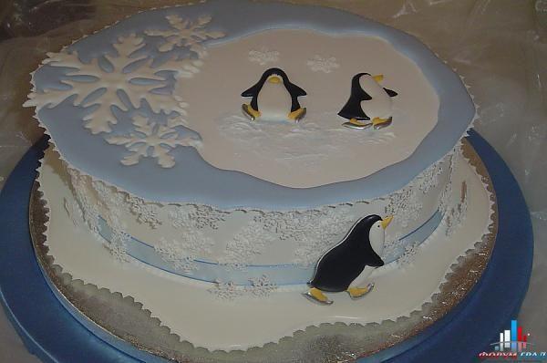 новогодний торт с айсингом - с пингвинами