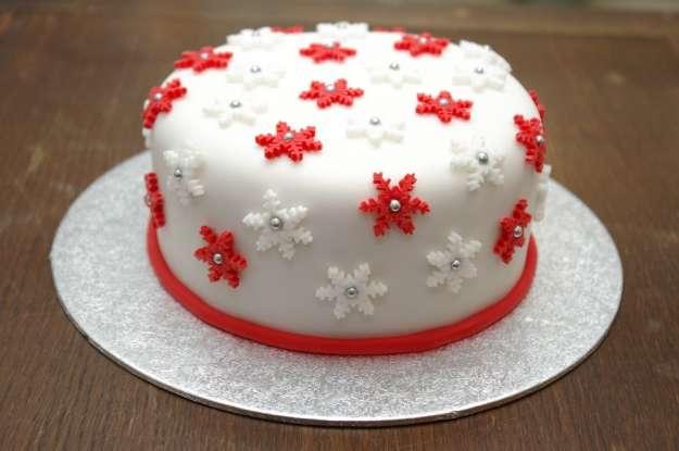какой испечь торт на новый год 2017 мастика со снежинками