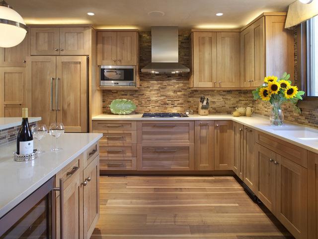 плитка для кухни под дерево в экологичном стиле