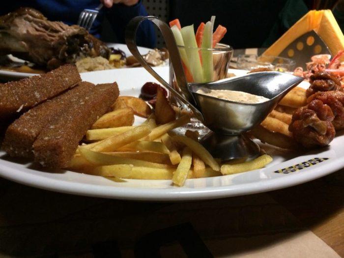 блюда в пивном ресторане Сварня